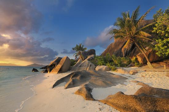 Tropical Island La Digue-Cornelia Doerr-Photographic Print