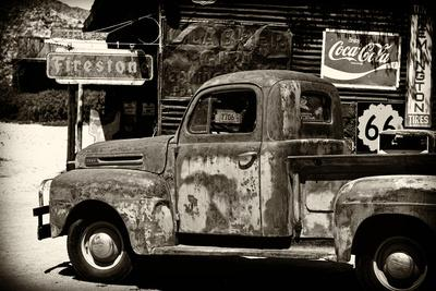 https://imgc.artprintimages.com/img/print/truck-route-66-gas-station-arizona-united-states_u-l-q1gdlqk0.jpg?p=0