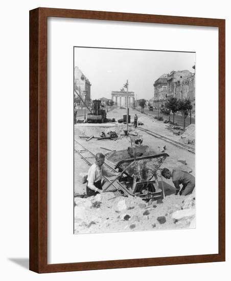 "Truemmermaenner (""Rubble Men"") at Unter Den Linden, Berlin, June 1946-German photographer-Framed Photographic Print"