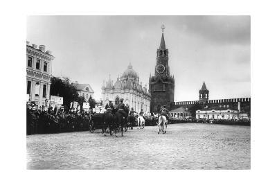 Tsar Nicholas II Reviewing the Parade of the Pupils of Moscow in the Kremlin, Russia, 1912-K von Hahn-Giclee Print