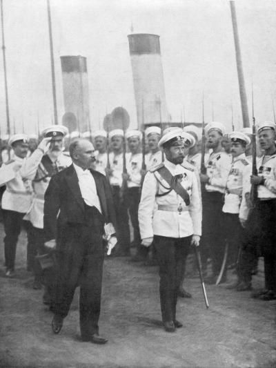 Tsar Nicholas II with French President Raymond Poincare, 1914--Giclee Print