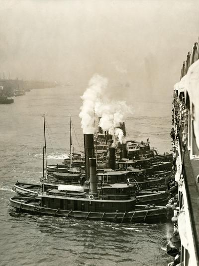 Tugboats Moving the Steamship Mutual-Edwin Levick-Photographic Print