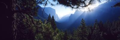 Tunnel View Point at Sunrise, Yosemite National Park, California, USA--Photographic Print