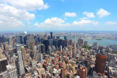 New York by Tupungato