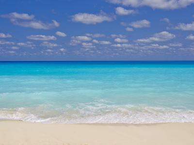 https://imgc.artprintimages.com/img/print/turquoise-water-and-soft-beaches-create-a-paradise-at-cancun-mexico_u-l-pevm5m0.jpg?p=0