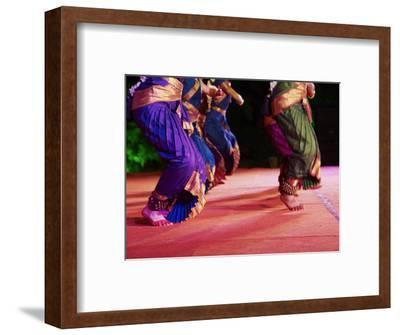 Women Dancers, Indian Traditional Dance Festival, Mamallapuram (Mahabalipuram), Tamil Nadu, Inda