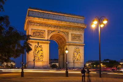 Twilight at Arch De Triomphe, Paris, France-Brian Jannsen-Photographic Print