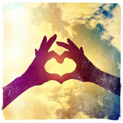 https://imgc.artprintimages.com/img/print/two-hands-making-a-heart-shape-in-the-sky_u-l-q1039hn0.jpg?p=0
