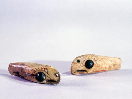 Two small ivory carvings of bird heads-Werner Forman-Giclee Print