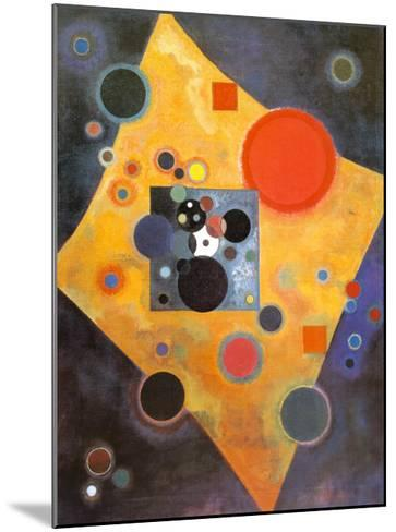 Akzent in Rosa-Wassily Kandinsky-Mounted Art Print