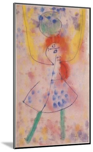 Mit Grunen Strumpfen, 1939-Paul Klee-Mounted Art Print