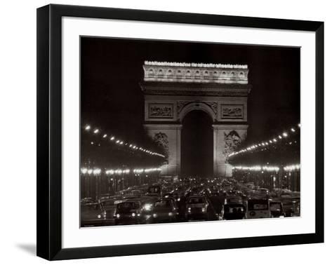 Arc de Triomphe--Framed Art Print