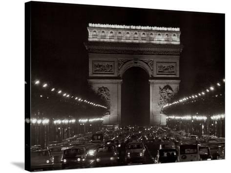 Arc de Triomphe--Stretched Canvas Print