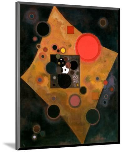 Accent en Rose, 1926-Wassily Kandinsky-Mounted Art Print