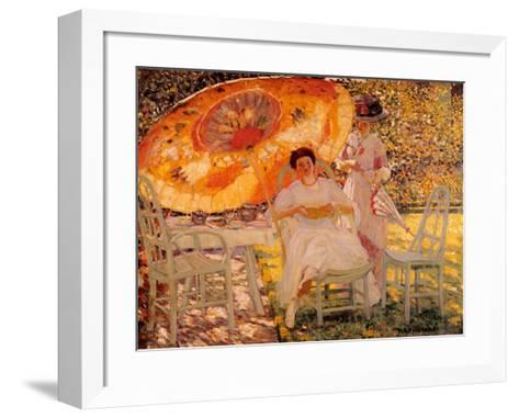 The Garden Parasol, 1909-Frederick Carl Frieseke-Framed Art Print