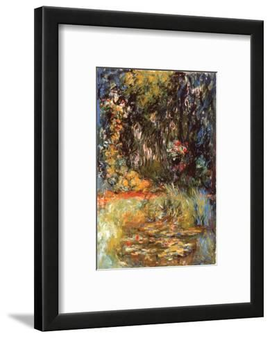 Water Lily Pond, 1918-Claude Monet-Framed Art Print