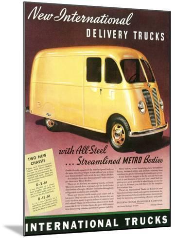 International Streamlined Metro Truck--Mounted Giclee Print