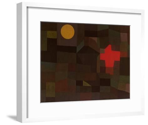 Incendio Sotto la Luna Piena-Paul Klee-Framed Art Print