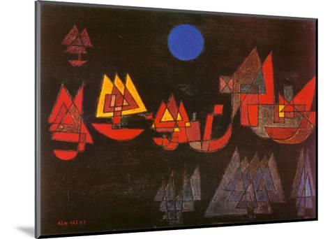 Schiffe im Dunkeln, c.1927-Paul Klee-Mounted Art Print