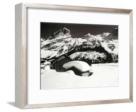 Face a la Montagne--Framed Art Print