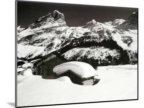 Face a la Montagne--Mounted Art Print
