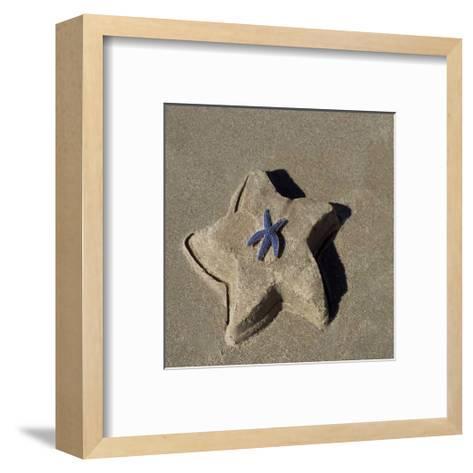 Starfish II-Carl Ellie-Framed Art Print