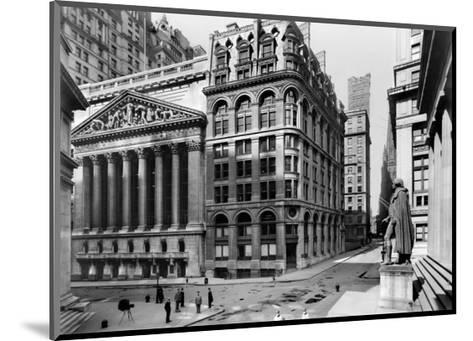 New York Stock Exchange, c.1921--Mounted Art Print