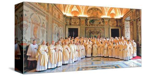 Pape Benoit XVI--Stretched Canvas Print