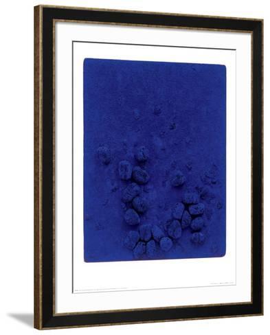 Blaues Schwammrelief (Relief Éponge Bleu: RE19), 1958-Yves Klein-Framed Art Print