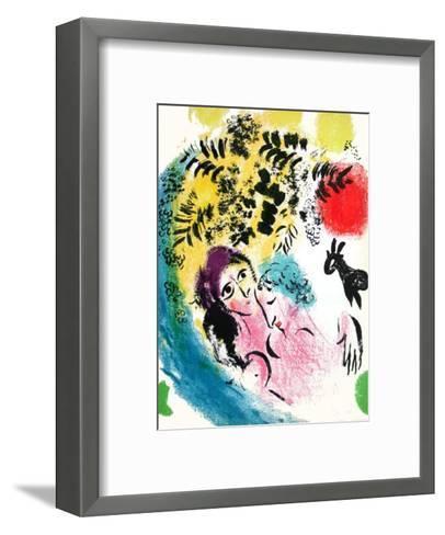 Les Amoureux Au Soleil Rouge-Marc Chagall-Framed Art Print