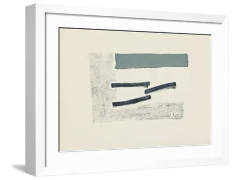 Schwebende Grau-Georg Meistermann-Framed Art Print