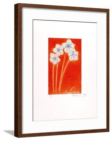 Vier auf orange-Josef Hirthammer-Framed Art Print