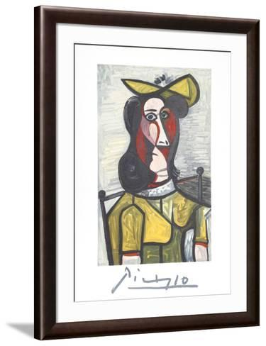 Portrait de Femme Au Chapeau et A La Robe Vert Jaune-Pablo Picasso-Framed Art Print