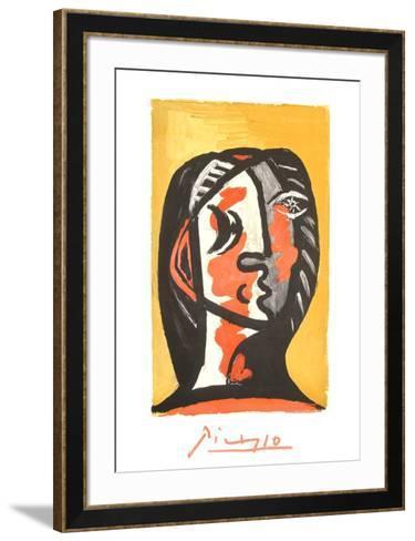 Tete de Femme en Gris et Rouge sur Fond Ochre-Pablo Picasso-Framed Art Print