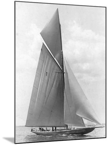 The Vanitie During the America's Cup, 1910-Edwin Levick-Mounted Art Print