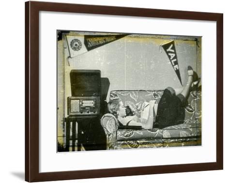 Grace Kelly XI-British Pathe-Framed Art Print