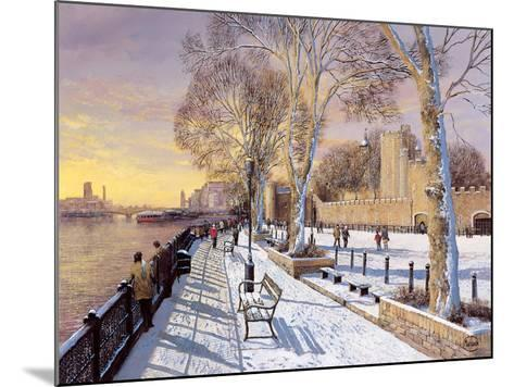 Tower of London-Clive Madgwick-Mounted Giclee Print