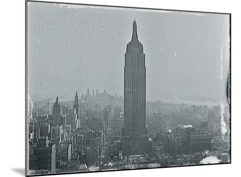 New York City In Winter VII-British Pathe-Mounted Giclee Print