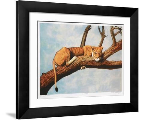Lioness Sambaru-Caroline Schultz-Framed Art Print