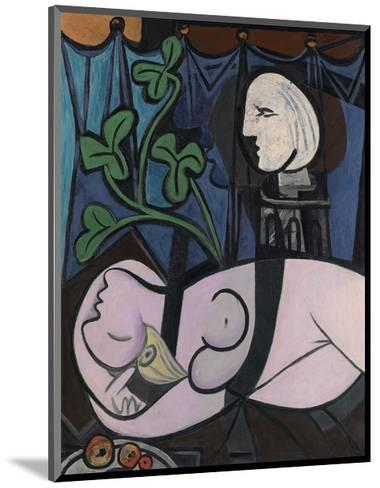 Nude, Green Leaves and Bust, 1932-Pablo Picasso-Mounted Art Print