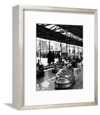 Fete-Izis-Framed Art Print