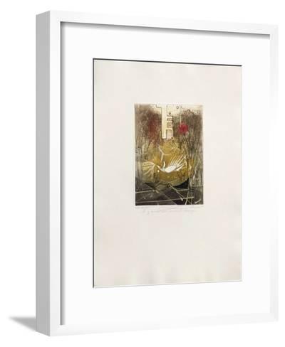 Il y avait un animal ?trange--Framed Art Print