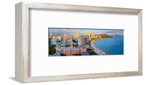 View across Waikiki Beach towards Diamond Head, Honolulu, Island of Oahu, Hawaii, USA--Framed Art Print