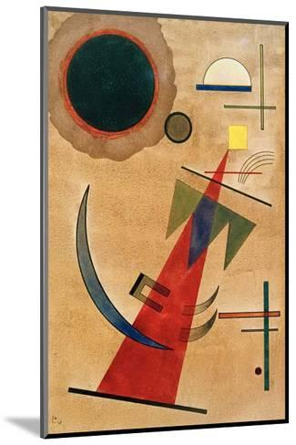 Pointed Red Shape, 1925-Wassily Kandinsky-Mounted Giclee Print