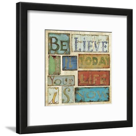 Believe & Hope I-Daphn? B-Framed Art Print