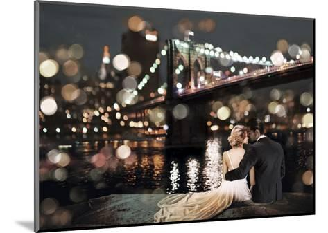 Kissing in a NY Night-Dianne Loumer-Mounted Giclee Print