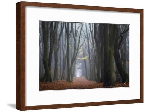 Lean On Me-Ellen Borggreve-Framed Art Print