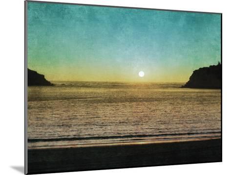 Sao Martinho Sunset-Pete Kelly-Mounted Giclee Print