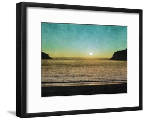Sao Martinho Sunset-Pete Kelly-Framed Art Print