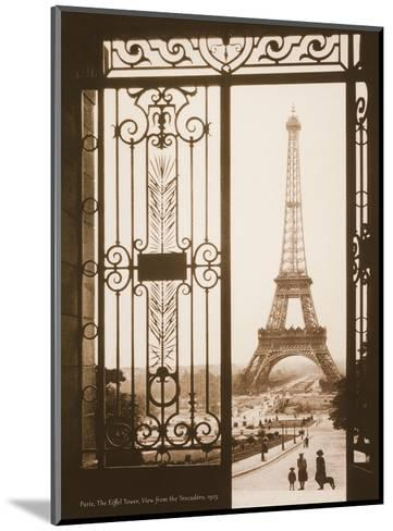 Paris, France - Eiffel Tower (Tour Eiffel) - View from the Trocad?, Palais de Chaillot-Pacifica Island Art-Mounted Art Print